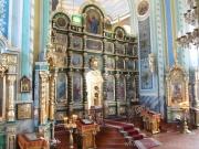 Центральный иконостас храма.