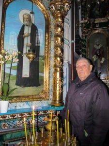 Виктор Иванович Ланчев в Свято-Озерянском храме в день своего 82-летия